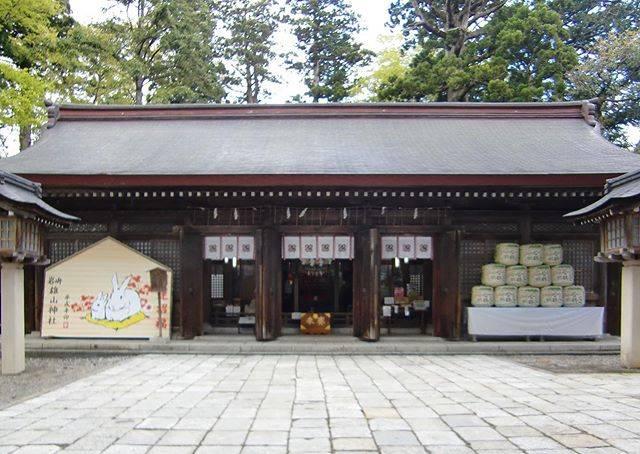 "mi on Instagram: ""雄山神社 越中国一宮#神社  #神社が好き #shrine #雄山神社 #越中国一宮"" (825241)"