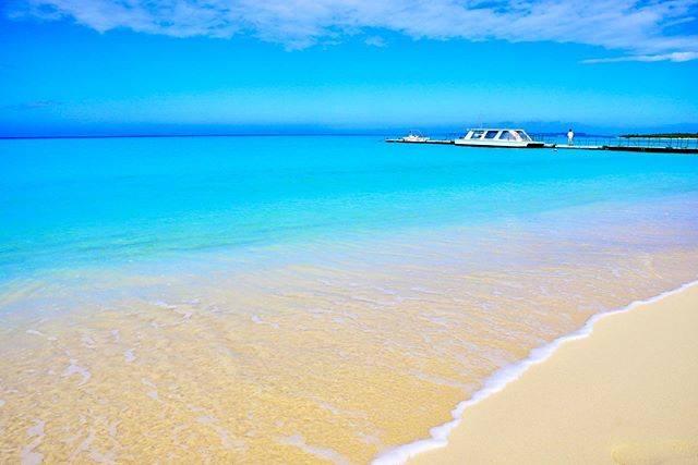 """hide.sea on Instagram: """"宮古島🏖 . 東急ホテルからの〜、 . 朝散歩〜😘 . 最高ですね🥰 . 贅沢時間ですね🥰🥰 . 贅沢すぎて、 . お腹いっぱいですね😂 . しかし、快晴の . 与那覇前浜の破壊力は、 . こんなものではありません‼️📸 . 本当に毎回この島には、 . 感謝しかない🙏 .…"""" (826227)"""