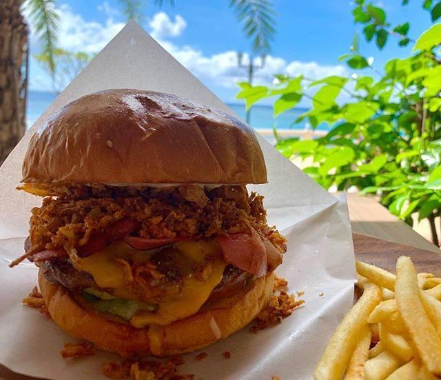 "Chatan Burger Base Atabii's on Instagram: ""atabii's burger!!🍔🍔 : : Have a wonderful Sunday☀☀ : : 本日の美浜は、空も海もキレイな青です☀  良い日曜日になりますよう🤗✨ : : 本日も元気にお待ちしております♡♡ : : : 【営業時間 11:00~21:00】: :…"" (826514)"