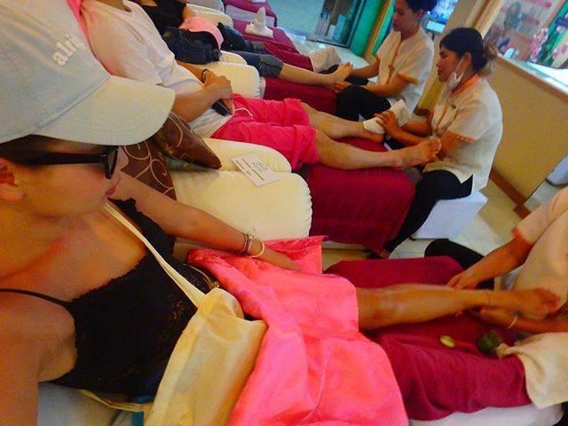 """hikari⌄̈⃝trip on Instagram: """"✔ タイといえばマッサージ🤗 ここは足ちゃんと洗ってくれて丁寧やった😳💗 * 気持よくて初めて寝た😂👏🏼👏🏼 次回また行こーっと❤ * にしても、まぢ焼けた👩🏼👩🏽笑 * #thailand #bangkok #bkk #一人旅 #女子旅 #trip #travel #南国…"""" (827169)"""