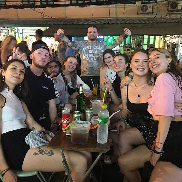 """Alex Becker on Instagram: """"Well Bangkok was intense haha. But got to meet this awesome bunch! Hopefully see you all soon 😎 #bangkok #khaosanroad #livingthedream…"""" (827200)"""