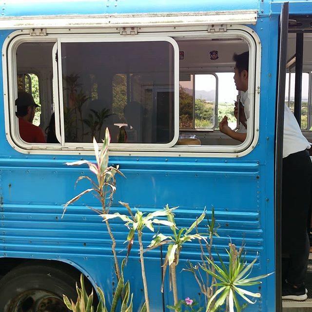 """fukurubi on Instagram: """"バス席なかなか好評です!♯古宇利島♯古宇利島カフェフクルビ♯こうりじま♯B.B.BAS♯ブルーバードバス"""" (827350)"""