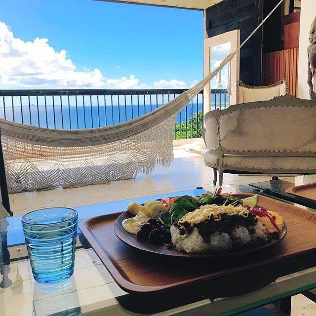 """沖縄グルメならトレバリ(trevary) on Instagram: """". ▶️ 姉妹アカウント開始🎉→ @trevary_cafe 🍹全国の人気カフェをご案内🧁 . ----------- ▶️ #trevary をつけて沖縄グルメの写真や動画をアップ🌺どんどんrepostしていくよ🤙🏻profileのURLからLINEでおでかけ相談も受付中🍍→…"""" (827456)"""