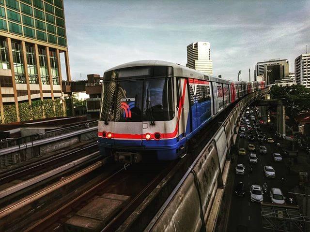 バンコクの渋滞を避けるにはBTSかMRTに乗ろう