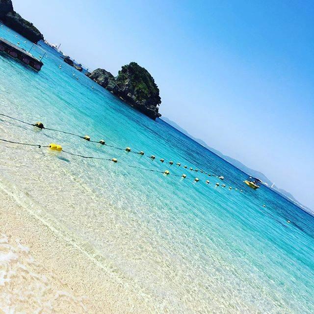 """大剛 on Instagram: """"最高の癒し😊😊😊#沖縄 #伊計ビーチ #ocean #beach #快晴 #surf #いい波のってんねー"""" (829227)"""