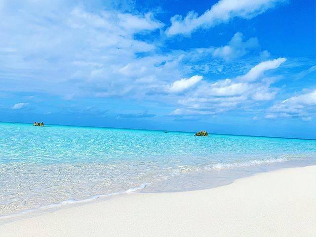 "🏝 Nagase 🏝 on Instagram: "". . 【下地島空港/17end】 . . 天国✨ . 私は、最高の写真を、 気分が落ち込んだ時ではなく、 あえて気分が高まった時に 見るようにしています✨ . 100%以上のパフォーマンスを、 発揮するため🌺 . 🐠🐡🐠🐡🐠🐡🐠🐡🐠🐡🐠🐡🐠 #沖縄 #沖縄好きな人と繋がりたい…"" (830189)"