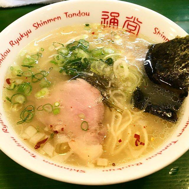 """Ramen Lover15u on Instagram: """"★★★☆☆ラーメンに男用と女用があった。値段も違う。なかなか面白いな。ラーメン自体はよくある塩ラーメンって感じだった。#ラーメン博物館#琉球新麺通堂 #塩ラーメン#沖縄#ラーメンすきな人と繋がりたい"""" (830703)"""