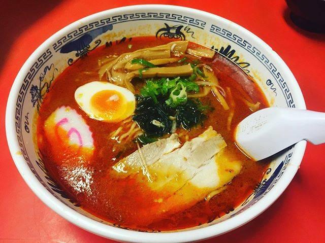 """Reika.w on Instagram: """"今日のランチっち♡♡ Ryuさんはソフトボールの 打ち上げで不在でした  あらしは昨日に続いての 塩ラーメンに私は辛みそラーメン そして熱々にもかかわらず フーフーすることもなく 私より早く麺を食べきるあらしくん笑  まあまあ辛かったけど 何を食べてもココは毎回旨い🍜…"""" (830709)"""