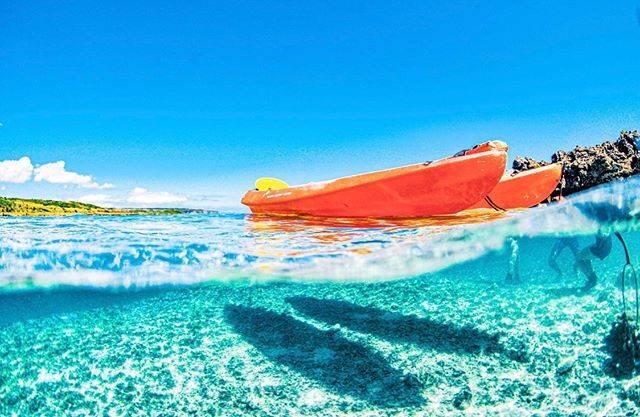 """シギラセブンマイルズリゾート on Instagram: """"🚣♀️ . 海の透明さを堪能するならシギラビーチのカヤックがオススメ❗️ 動力をあまり使わなくても漕げることが魅力。きれいな熱帯魚が泳ぐ姿を上から見ることができますよ🐠💙 ・ 期間:通年 料金:小学生以上¥3,500(税別)、幼児¥2,500(税別)…"""" (830995)"""