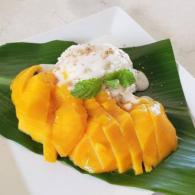 "Maki on Instagram: ""#カオニャオマムアン (タイのマンゴーとココナッツ風味もち米のデザート)...…"" (831365)"