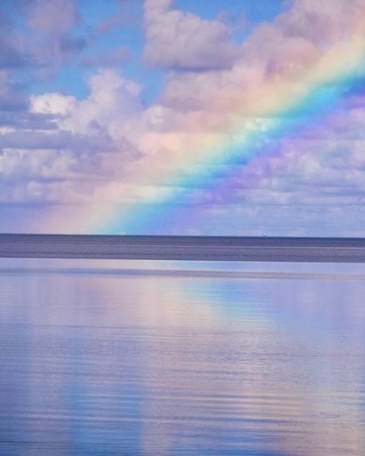 """北島 清隆 OKINAWA on Instagram: """"美しい虹🌈 . . . . . . . . #ishigakiisland  #reflectiongram #reflectionphotography  #rainbow #reflection_shotz  #visitokinawa #beach_lovers…"""" (832278)"""