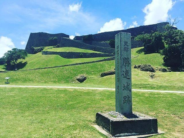 "Rei 🚹 on Instagram: ""Grand stone wall #勝連城跡 #世界遺産 #worldheritage #katsurencastle #gusuku #okinawa #うるま市 #沖縄 #琉球王国 #琉球王国のグスク及び関連遺産群"" (832542)"