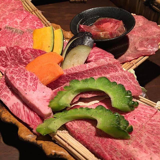 """@smdsnb on Instagram: """"* * 仲良くさせていただいているフォロワーさまの美味しそうなお肉のpostをみて思い出した石垣島で食べたお肉🥩 おいしかったなァ🤩 ・ ここ数日の寒暖差のせいかいつも以上に疲れてる気がする。 今週もあと1日、がんばろう。 … #石垣島 #ishigakiisland…"""" (833817)"""