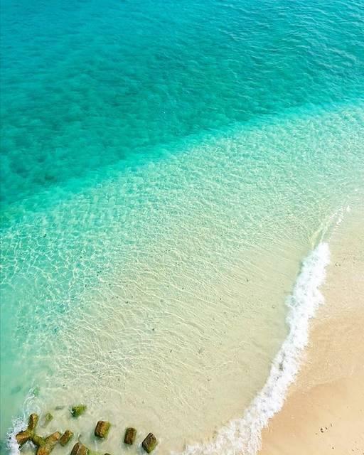 """saki's Instagram photo: """"沖縄に2年前に旅行して、心とらわれてから🌺 インスタに沖縄とかのってるかな~と思って見てみたら、投稿してる方がすごいいて、しかもめっちゃ綺麗な海の写真ばかりで、、🥺💓 見ては癒され、沖縄行きたーい!!綺麗な海見たーい!!と思う毎日になり🙈⚓…"""" (833982)"""