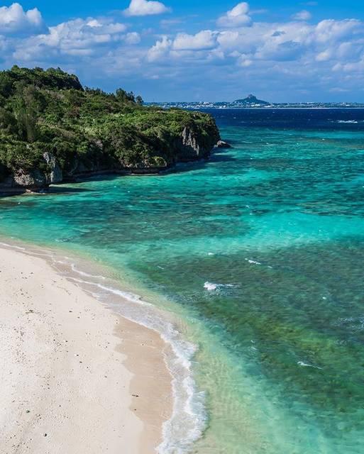 """おきなわLikes on Instagram: """"今日の沖縄本島は‥ . 今日の沖縄本島、晴れてましたね🌞 今年の12月は太陽がでていても寒いです^ ^ もし沖縄に遊びに来る際は冬服は忘れずに^ ^ (わたしはワークシャツの下にヒートテックを着けています。) . 写真は今日の #アンチ浜 で瀬底島にあります^ ^…"""" (833983)"""