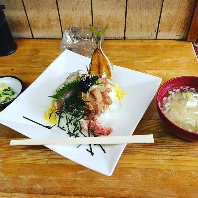 """檉 歩 on Instagram: """"地鯵丼#沼津港 #静岡 #地鯵丼"""" (834859)"""