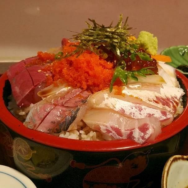 "@938eats on Instagram: ""#浜崎鮮魚浜んくら#上天草市#大矢野町中#海鮮丼#大盛り#foodie#gourmand#健啖家#グルメ巡り"" (839889)"