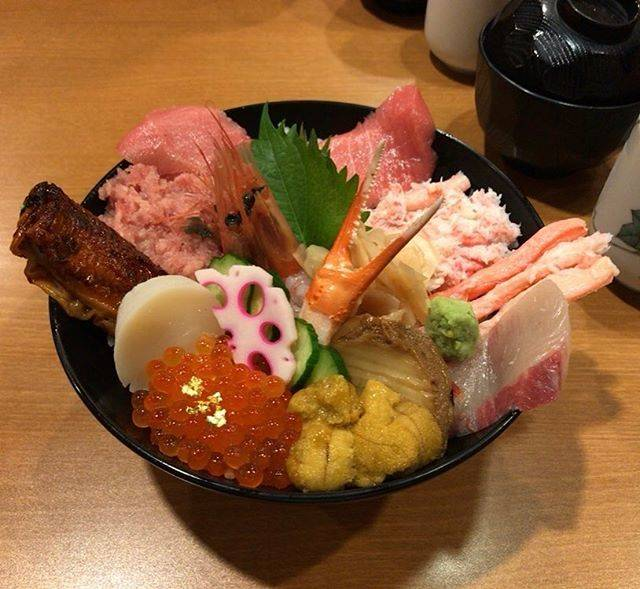 "Tadayoshi Yoshizaki on Instagram: ""#海鮮丼#ひら井#金沢"" (843086)"