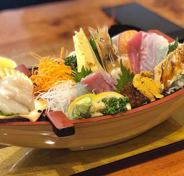 """滝口 智如 on Instagram: """"Tokujo Irifune-don(special seafood rice bowl) at """"Irifune"""" located in Odawara,Kanagawa. 小田原駅東口すぐ近くにある「入船 小田原駅前店」にて特上入船丼。…"""" (843955)"""