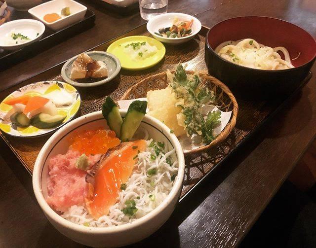 "EnSh on Instagram: ""安くて美味しかった! #鎌倉 #鎌倉美水 #海鮮丼"" (845416)"