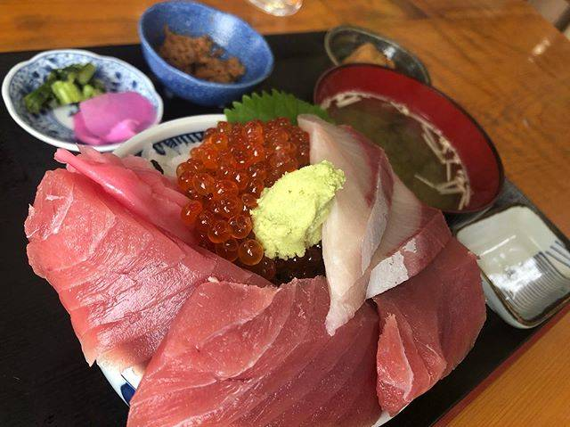 "🍥minstagram🍥's Instagram post: ""#浜めし#三色丼#ランチ#lunch#海鮮丼#instafood"" (847379)"