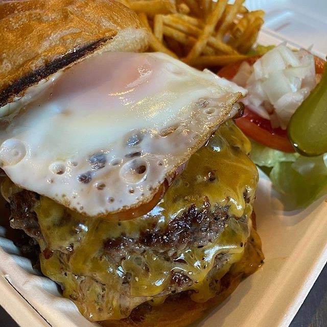 "BASHI BURGER CHANCE®︎ on Instagram: ""本日のBBC。.ハンバーガーDAY🌞🍔🤞.#出前館#ubereats#bashiburgerchance"" (847428)"