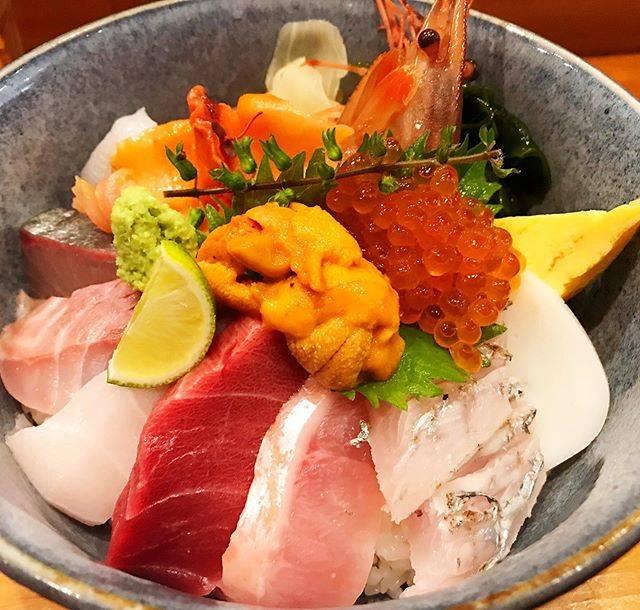 "Keisuke Yamada on Instagram: ""小田原に来たので「SAKANA CUISINE RYO」へ!魚はやっぱり最高だ。#小田原 #odawara #海鮮丼 #kaisendon #sakanacuisineryo"" (850274)"