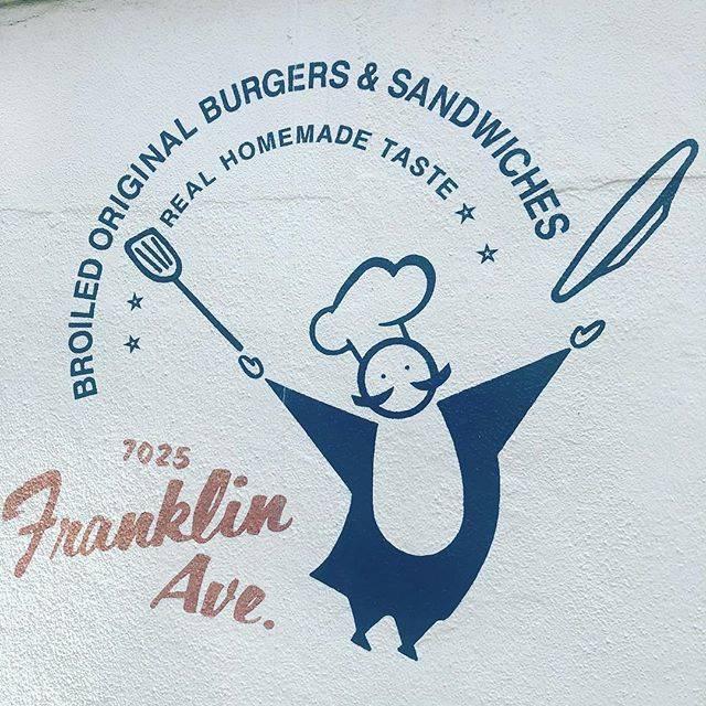 """@leeeeo676 on Instagram: """"東京2日目。handmadeworks前にご飯をと思い気になってたハンバーガー屋行くも大行列。さて、この中途半端な空き時間、どうしたものか。#フランクリンアベニュー #ハンバーガー部"""" (856115)"""