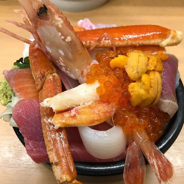 "@ichi0918 on Instagram: ""#魚屋の台所 #海鮮丼 #おまかせ海鮮丼"" (857074)"