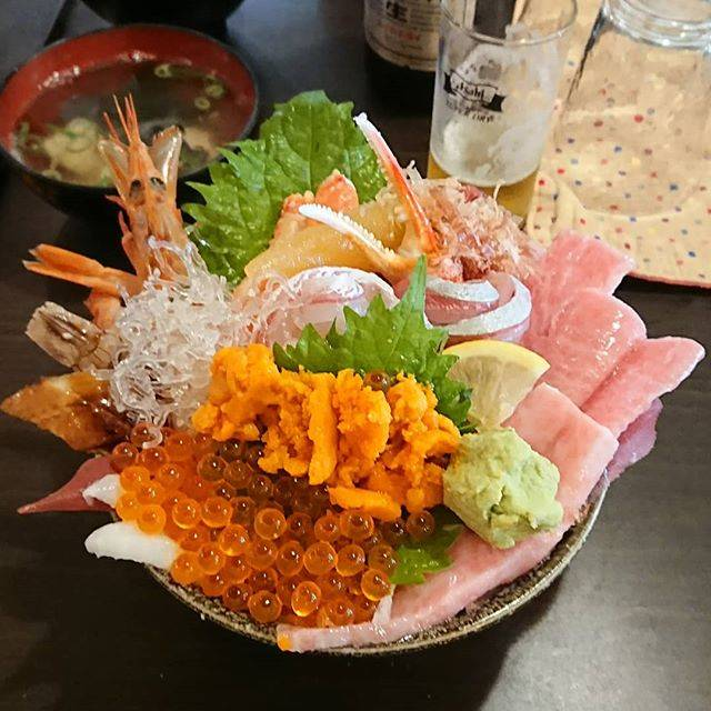 "Ryousuke Sasaki's Instagram photo: ""先日の大名庵ぼりゅーみーです(笑)#大名庵 #海鮮丼"" (860347)"