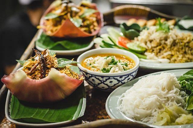 "Soul Food Mahanakorn on Instagram: ""Banana flower salad, crab and lemongrass curry, and a nice crab fried rice.  #soulfoodmahanakorn #bangkokeats #foodforthesoul…"" (863059)"