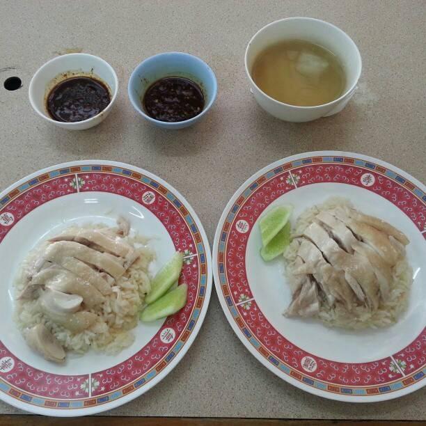 "Thanayuth Rugthum on Instagram: ""ข้าวมันไก่เจ้าประจำ2จาน เผื่อเย็น"" (863072)"