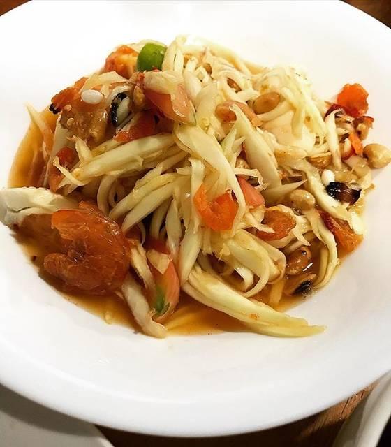 "Aom Petitchic's Instagram post: ""Papaya salad #ส้มตำ #papaya #papayasalad #thaisalad #ตำไท ## #yummy #yummymummies #delicious #food #foodporn #thailand #thaifood #thaifoods…"" (863136)"