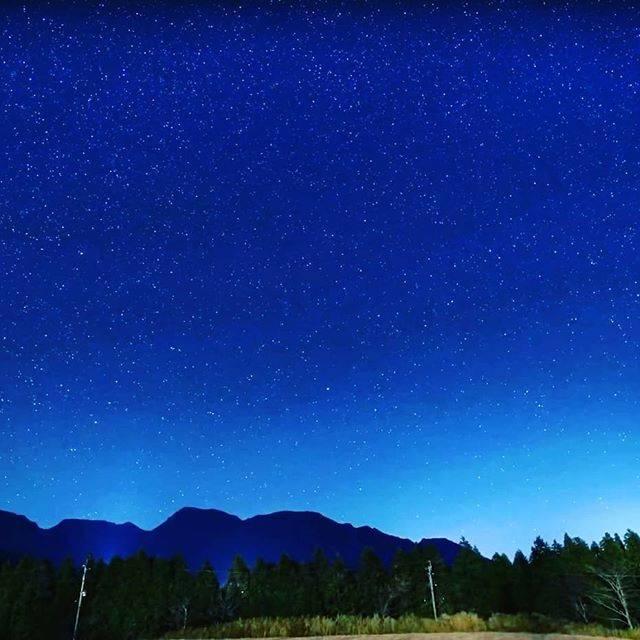 """ヤマタビチャンネル on Instagram: """"寒さも忘れて、いつまでも眺めていたくなるような星空でした😊🌌 #キャンプ #アウトドア #外遊び #九州キャンプ #大分キャンプ  #星空 #星空キャンプ #星空撮影#くじゅう #久住 #久住高原オートビレッジ #ノルディスク #nordisk #アスガルド #asgard…"""" (863635)"""