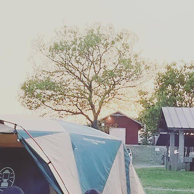 """Happy's Instagram post: """"#久住高原オートビレッジ #キャンプ場 #オートキャンプ はいいね👍#テント設営 結構好き❤#コールマン の#テント でのお泊まりは何回目かな😉少しずつキャンプ用品を揃えていこう🎵"""" (863640)"""