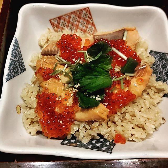 """のりま on Instagram: """"10月から12月が旬のはらこ飯。来月までにまた食べたいな~😋#はらこ飯#宮城名物 #波奈#和食波奈#旬のごはん"""" (864110)"""