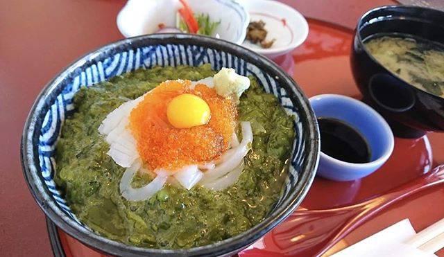 """ぬうさんのグルメ日記 on Instagram: """". 【さんとり茶屋】 松島海岸駅から徒歩9分ほどのところにあるお店🍽️. . めかぶ丼をいただきました✳ ご飯が見えないくらいに敷き詰められためかぶは、ネバネバでほどよい塩味があり新鮮さも感じました。  海を見ながら海鮮料理が食べられるお店です🦪  #松島海岸#さんとり茶屋…"""" (866371)"""