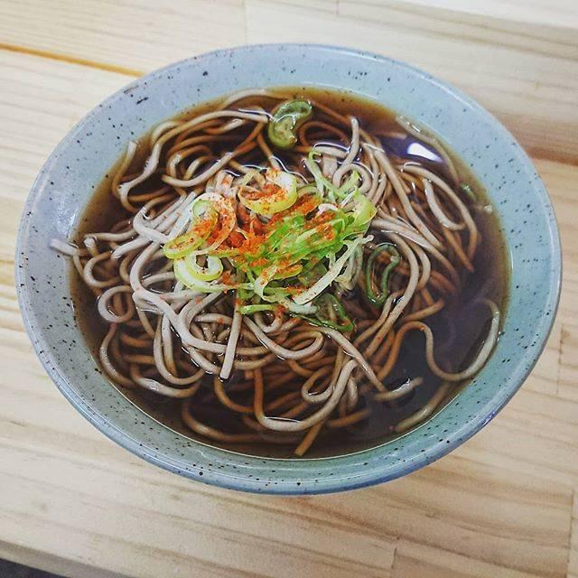 """Ryouichi Yoshida on Instagram: """"#旭川市 #旭川 #立ち食いそば天勇 #立ち食いそば #天勇 #立ち食い #そば #蕎麦 #かけそば #今日の #昼ごはん #ランチ #lunch #ランチタイム #lunchtime #旭川グルメ #グルメ"""" (866833)"""