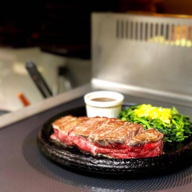 """【ステーキ道場/旭川市】 on Instagram: """"皆さんこんにちは🌞ステーキ道場です! . 今回ご紹介するのは旨味牛🐮 旨味牛には150g、225g、375gがあります!(画像225g) . ランプステーキに比べ、柔らかく、こってりとしたお肉なので、ライスとの相性が抜群👊 .…"""" (867247)"""