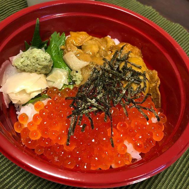 """nishi on Instagram: """"今日のテイクアウト 吉祥寺魚真  ウニいくら丼  週末の贅沢。吉祥寺魚真 @uoshin04 さんでウニいくら丼をテイクアウト! こんなに贅沢なのに、とってもリーズナブル!ごちそうさまでした。  #今日のランチ #ランチ #lunch #テイクアウト #吉祥寺…"""" (868803)"""