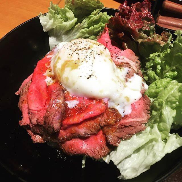 "asami on Instagram: ""ローストビーフ丼😋"" (869700)"