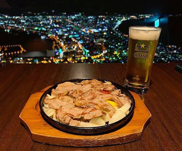 """かい 🐈 on Instagram: """"#函館山#レストランジェノバ#ジンギスカン#サッポロクラシック#夜景#函館#100万ドルの夜景#ディナー#函館グルメ#函館観光#北海道旅行#函館旅行#hokkaidou#hakodate#dinner#beer#美味しい#ごちそうさまでした"""" (869798)"""