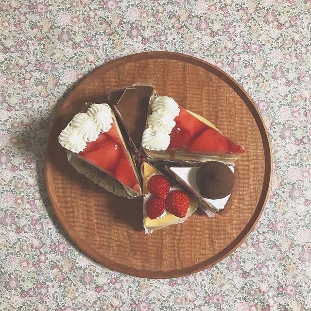 """↟ ᴹᴵᵞᵁ 𖠚 ゚。 on Instagram: """"𓈒𓏸𓂂𓋜今日もバタバタと…長男、桜咲きましたよく頑張ったありがとう…おめでとう 𓍯#おめでとう#頑張ったね#15の春#桜さく#ありがとう#大切な気持ち#忘れないよ#日々#暮らし#菓子の家#高校受験#無事に合格#推薦合格"""" (870317)"""
