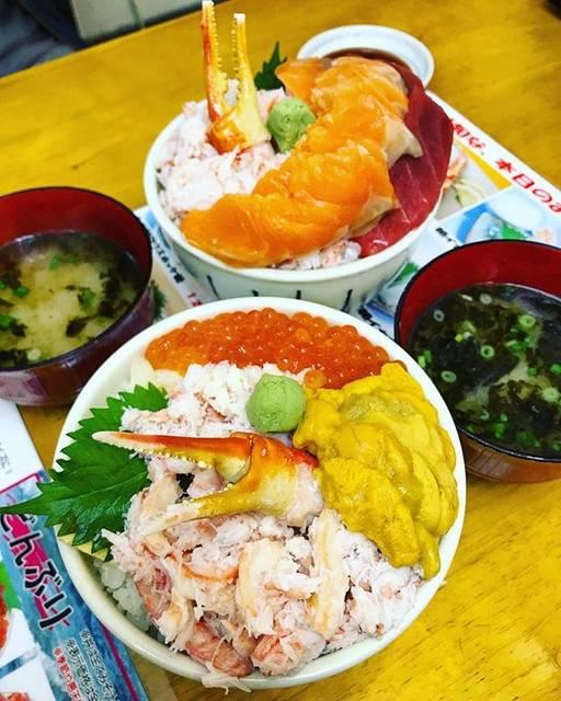 """Time Out Tokyo's Instagram photo: """"Thing to do in Otaru, Hokkaido: Have a kaisendon (seafood rice bowl) at the Sankaku Market. #TimeOutTokyo #Hokkaido #OnTheTable"""" (871406)"""