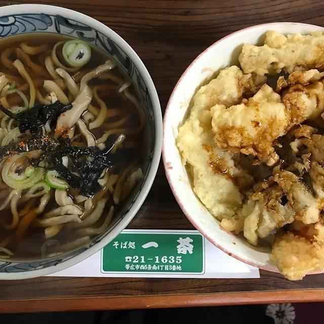"Ume's Instagram photo: ""#帯広 市内のお蕎麦やさん #そば処一茶  の #そば定食。そばも🍤もうまし。"" (871775)"