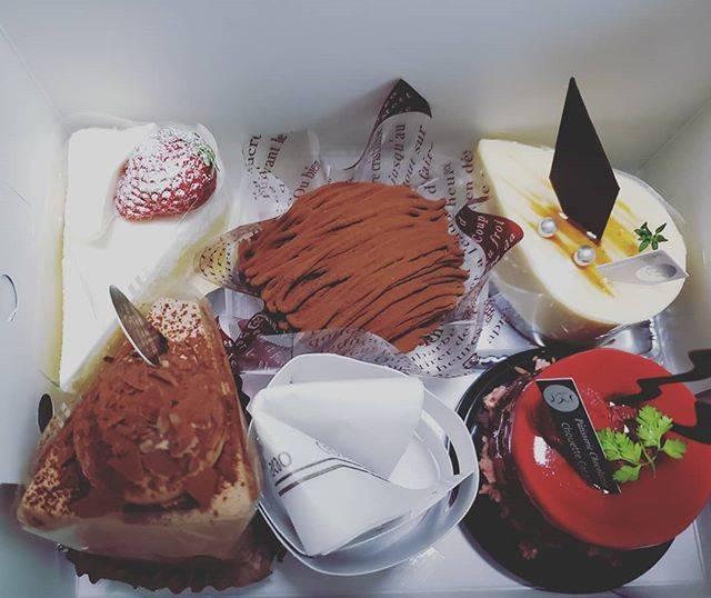 """だいみょん on Instagram: """"#シュウェットカカオ#ショートケーキ#甘いもの#だけど#歯が痛い#笑"""" (872369)"""