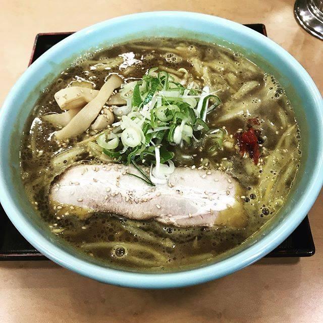 "daihito honma on Instagram: ""室蘭でカレーラーメン!#室蘭 #カレーラーメン #汗 #蘭たん亭"" (873743)"