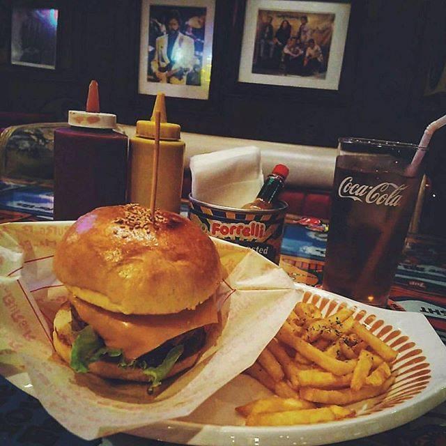 "@hhhhamburgerrrr on Instagram: ""#flashbackcafe#hamburger#burger#burgermania#ハンバーガー#ハンバーガー部#ハンバーガー巡り#ハンバーガー好きな人と繋がりたい"" (873985)"