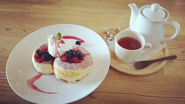 """えり's Instagram post: """"初投稿!久しぶりのパンケーキ!!美味しかった~(*・ω・*)#sunusu#スヌスラウンジ#パンケーキ"""" (875403)"""