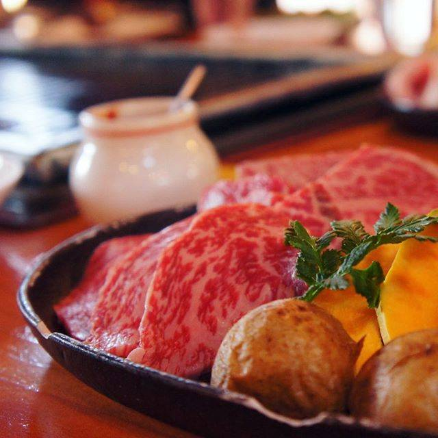 "Я E I ✿'s Instagram photo: ""🇯🇵🍖🍗🔥☃️❄️ winter yakiniku lunch at ""log house bibi"" feat. A4 SHIRAOI WAGYU (#白老牛) of hokkaido... miss this !! 。 。。misawa, tomakomai,…"" (875725)"